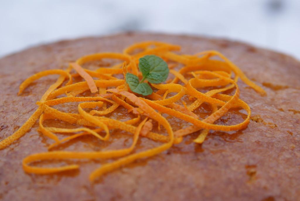 ciasto migdałowe z glazurą pomarańczową