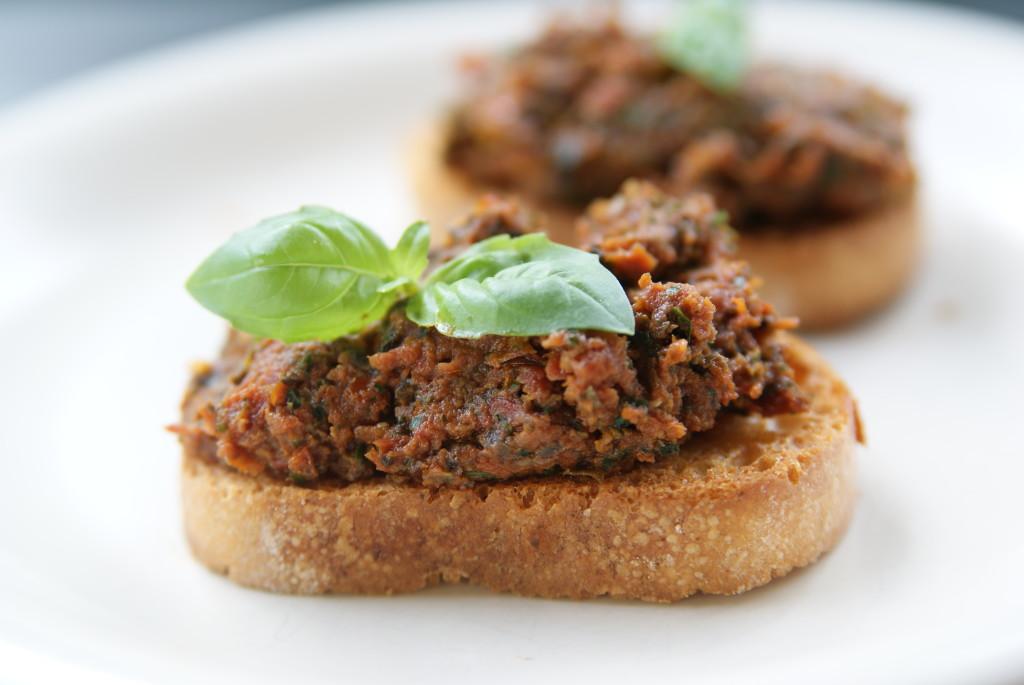 Pasta z suszonych pomidorów i anchois