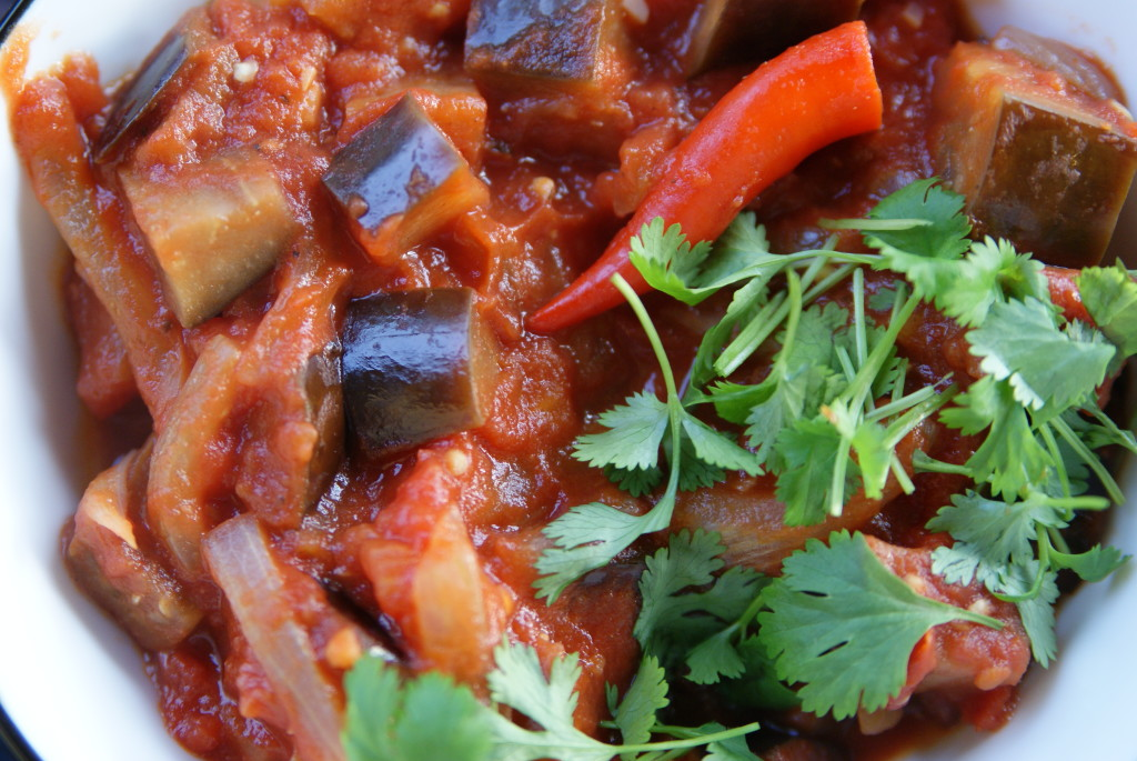 bakłazany w sosie pomidorowym